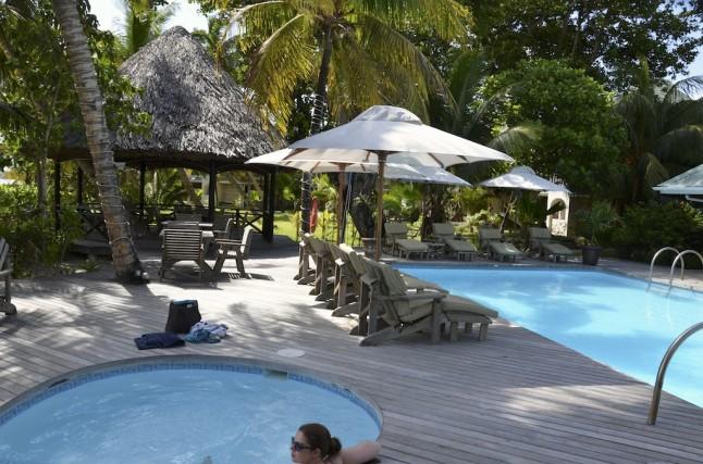 Piscine de l'hôtel voyage de noce aux Seychelles