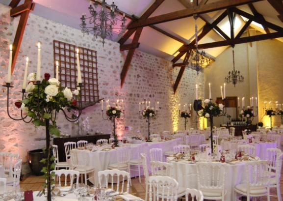 decoration salle mariage avec poutre
