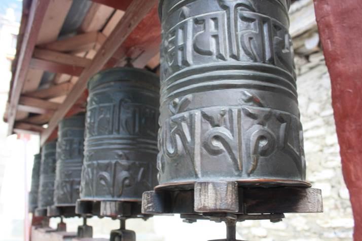 voyage de noce au Népal roue de prières