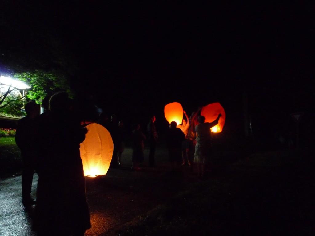 Lâcher de lanternes thaï