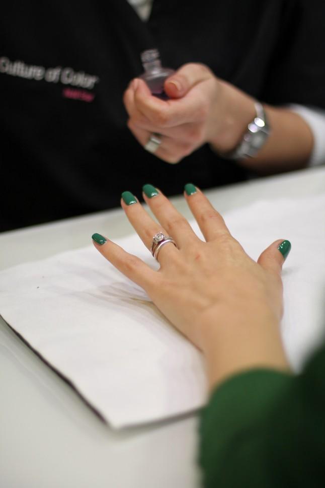 Manucure verte future mariée
