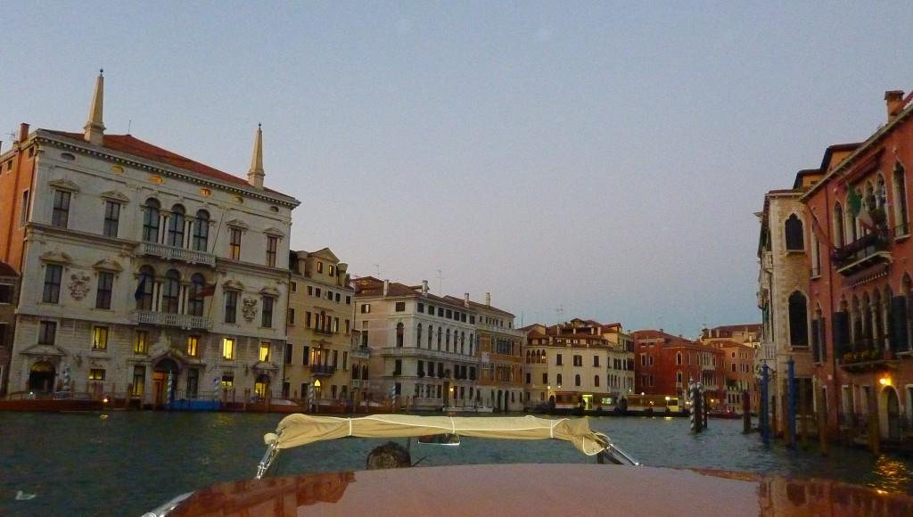 Venise croisère jeunes mariés bateau grand canal