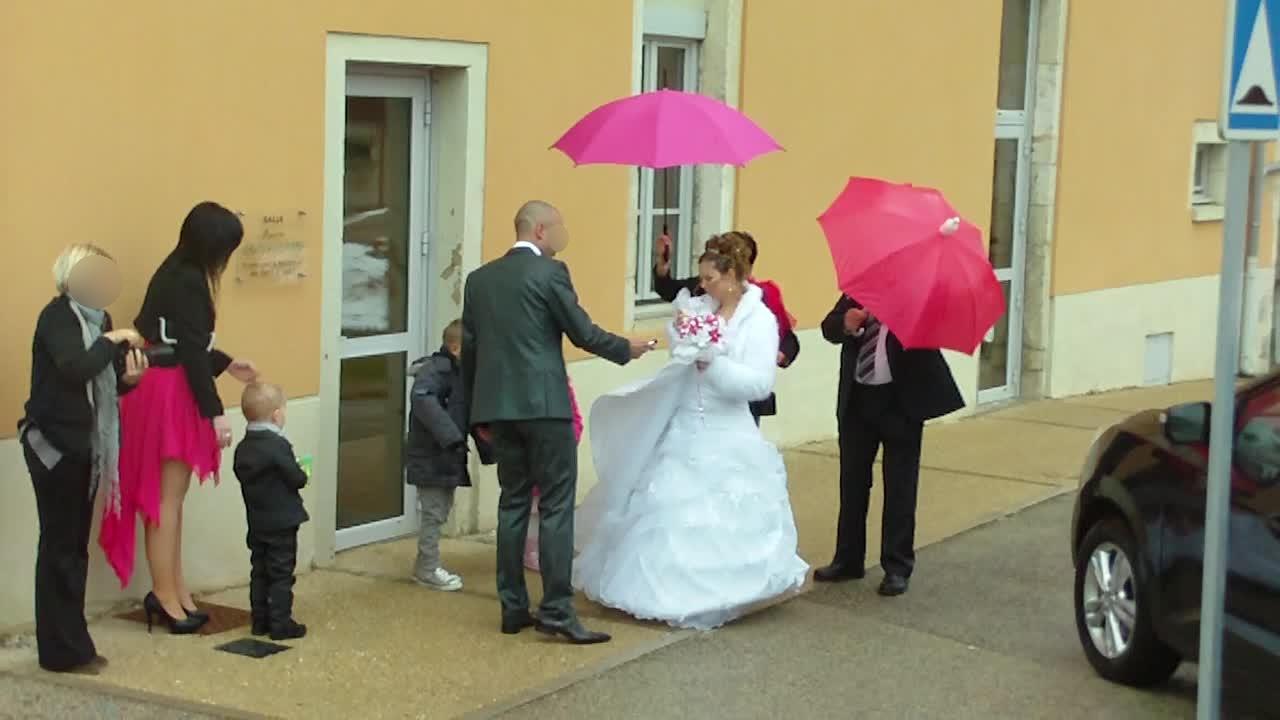 Mon mariage enneigé : sortie sous la pluie !