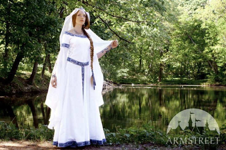 robe de mariée médiévale Armstreet