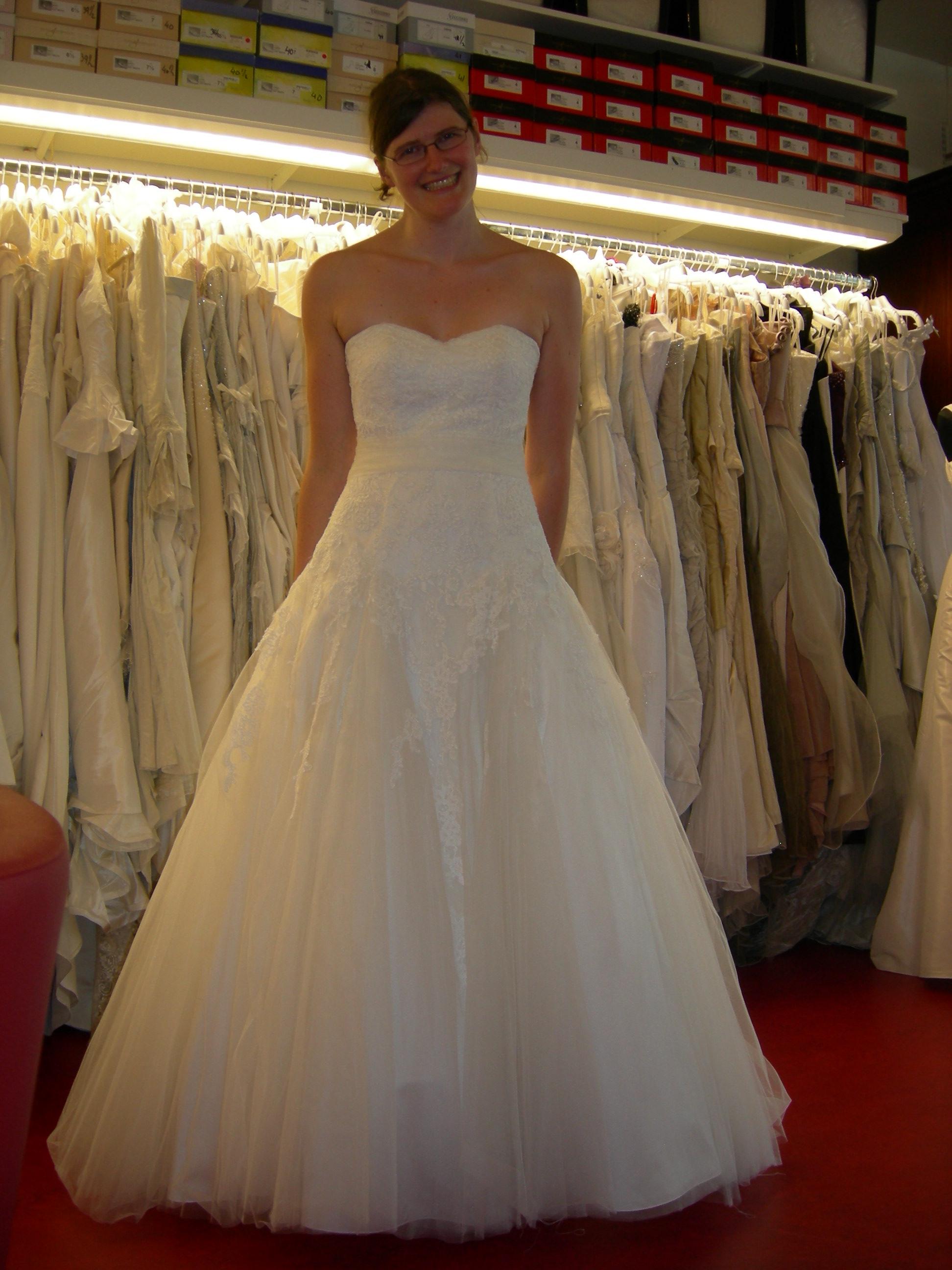 Comment retoucher et accessoiriser ma robe de mariée achetée dans un outlet ?