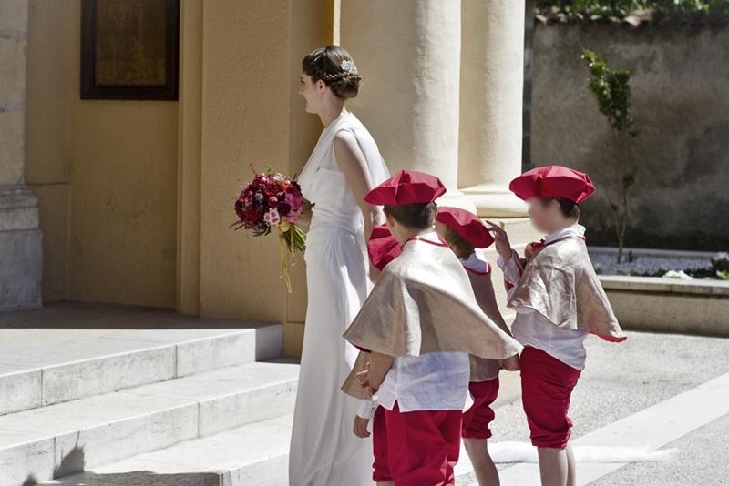 Mon mariage traditionnel à paillette : l'arrivée à l'église et le cortège