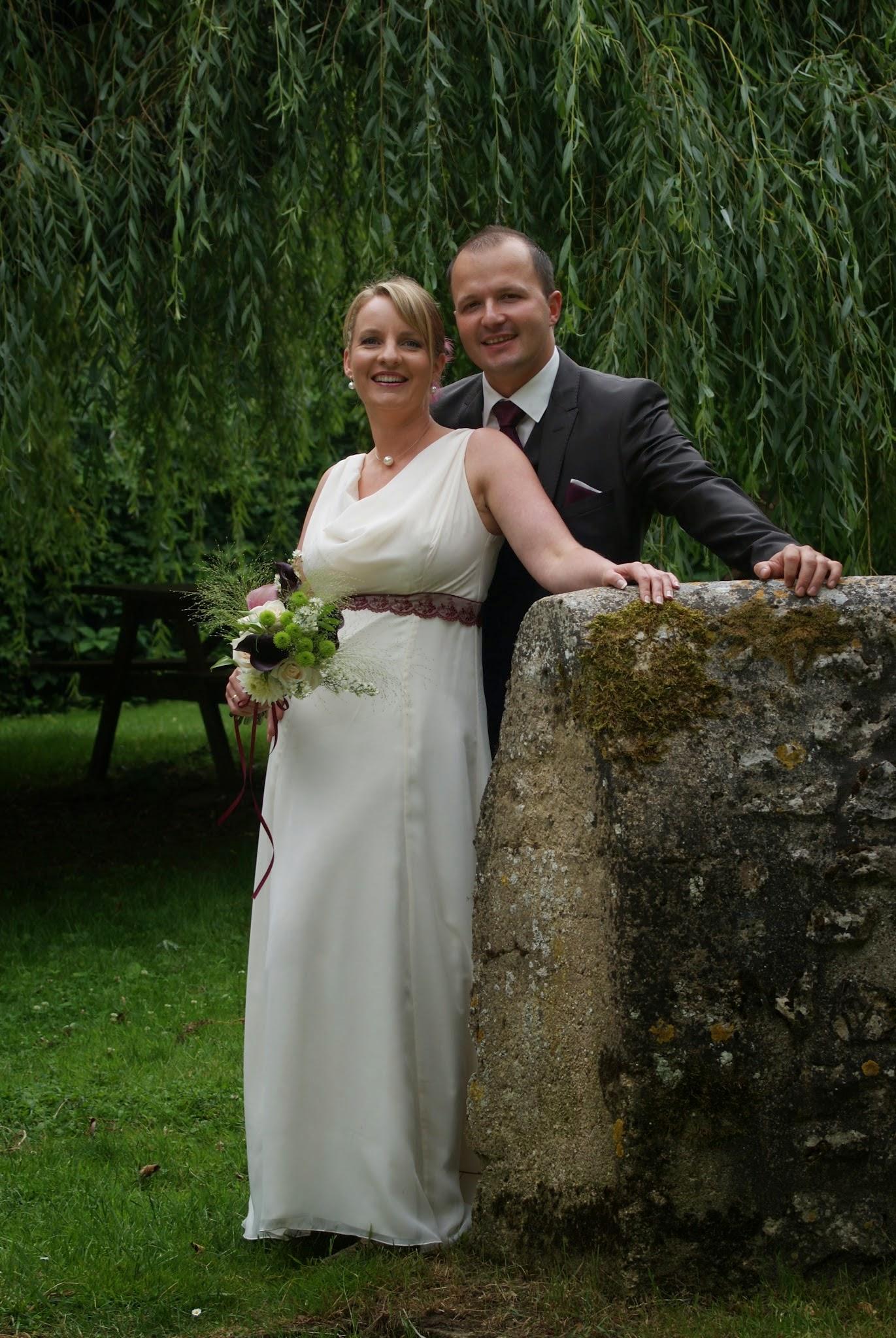 Le mariage d'Aurélie sur le thème original du vin et de la vigne en bordeaux et ivoire