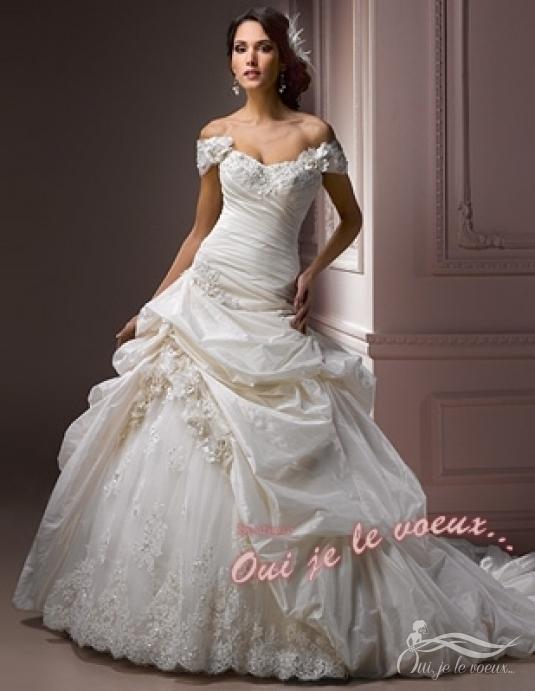 La robe de princesse et le chevalier Internet