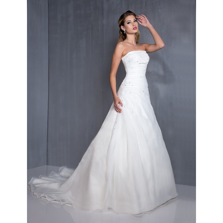 """""""Madrague"""" d'Aurye Mariages, collection 2013"""