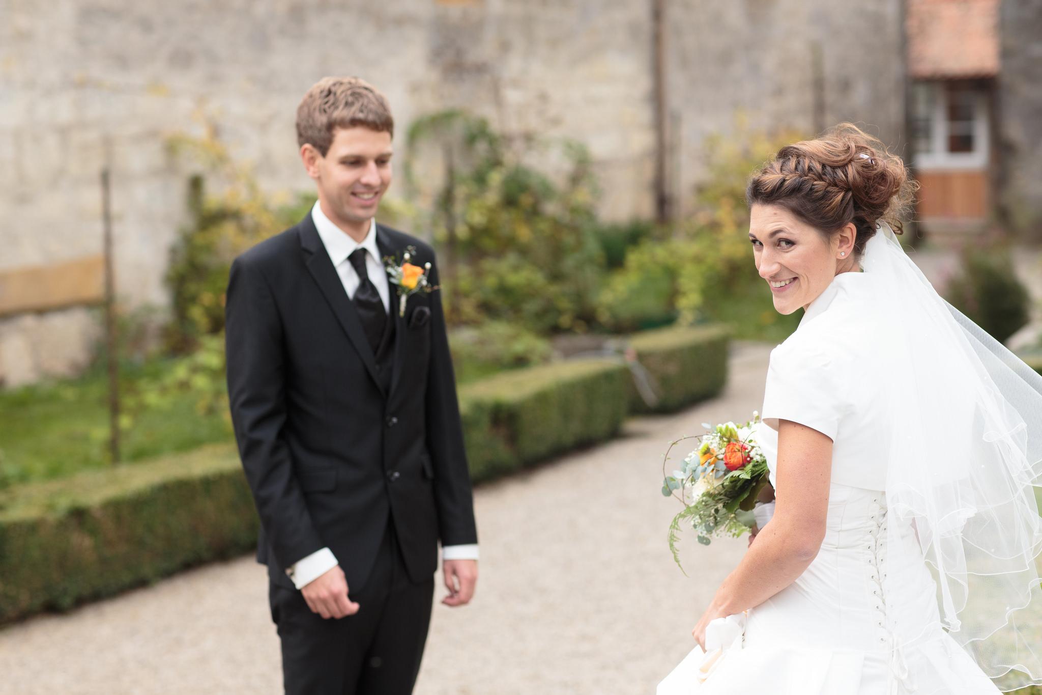 Le mariage d'automne de Madame Licorne, en brun et orange
