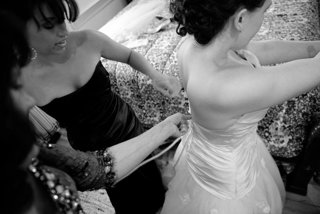 L'habillage de la mariée