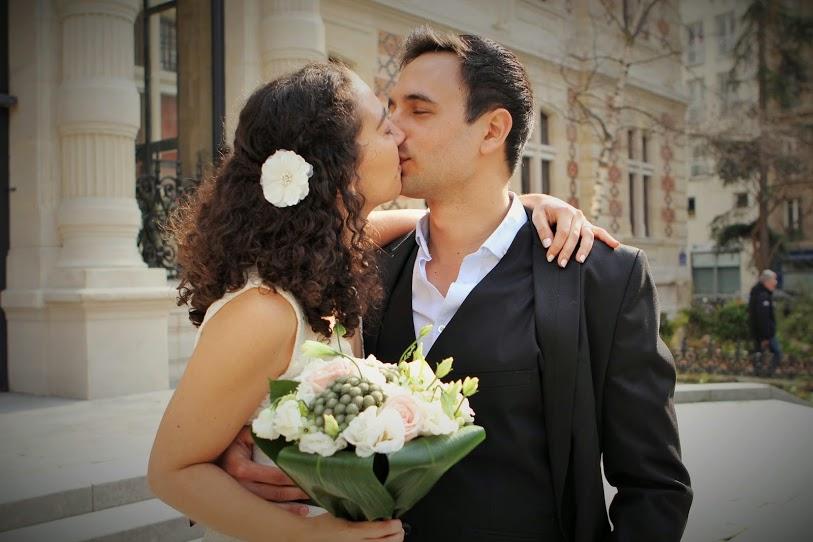 Mariage civil à la mairie de Paris 12 en petit comité