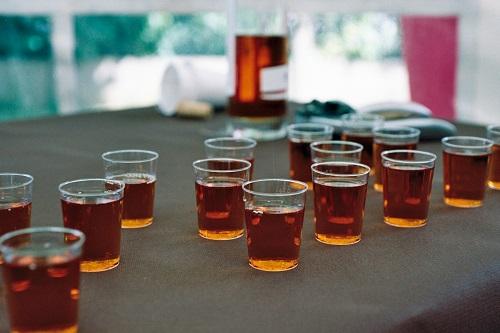 Buffet du vin d'honneur : des shooters de cidre de glace