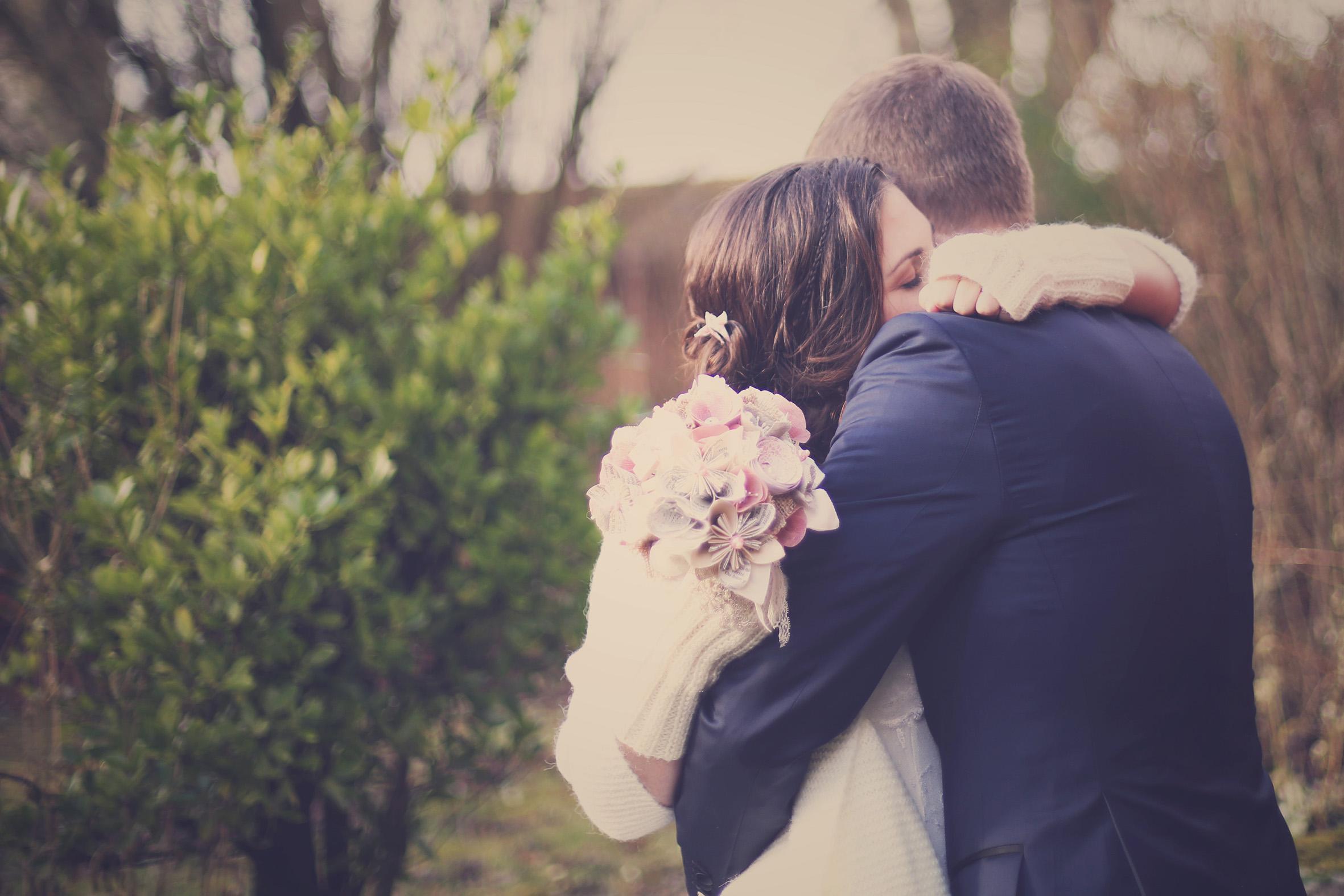 Mon mariage en hiver et en origami : la séance photos de couple et notre teaser