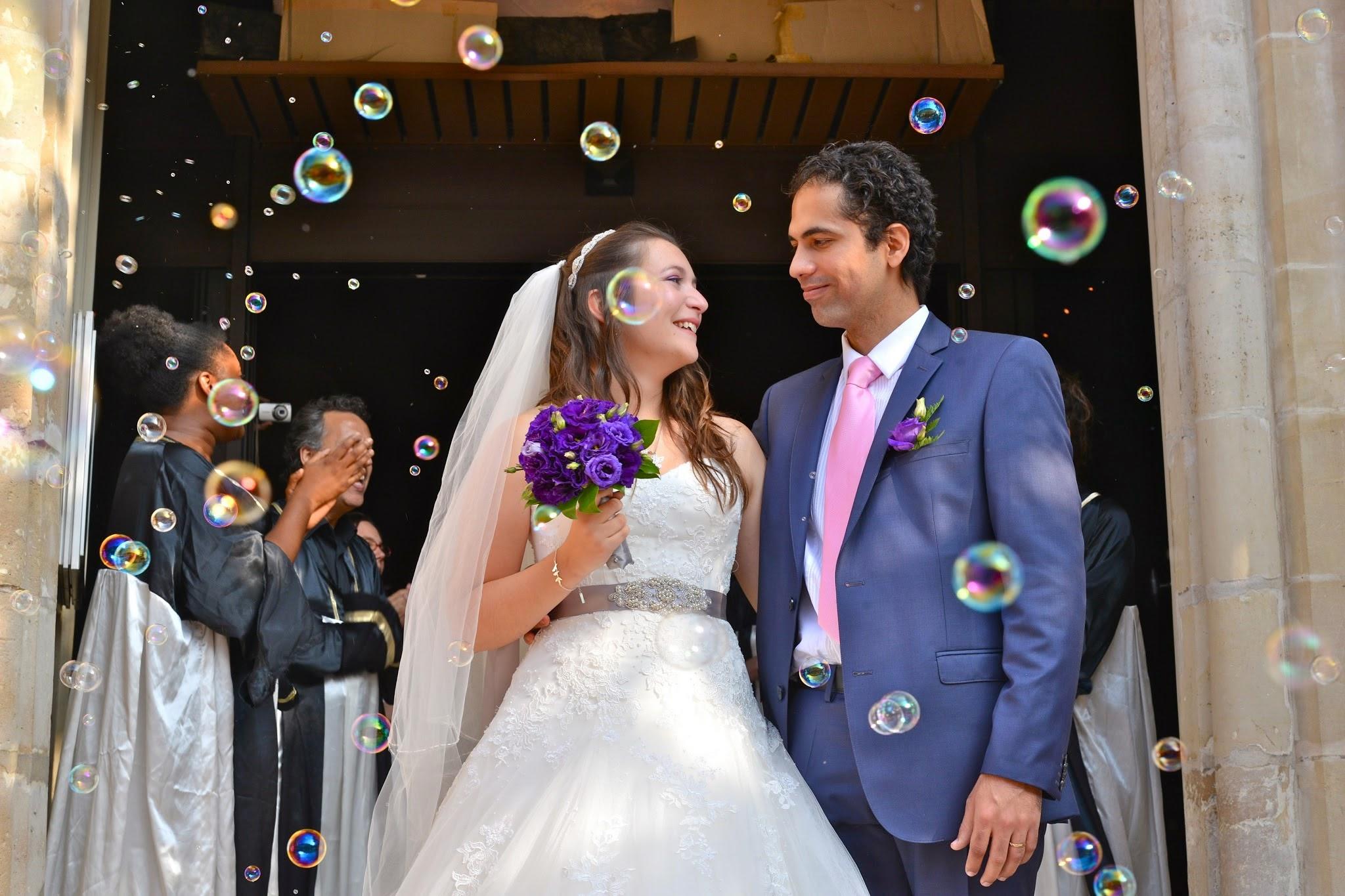 Le mariage de Mme Potter sur le thème des oiseaux en violet, blanc et argent