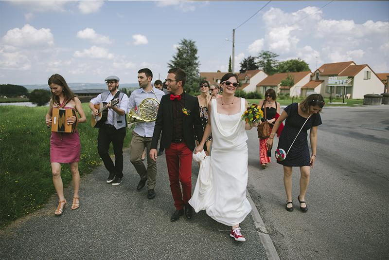 Le mariage hippie chic de Marie, à la campagne, sous un chapiteau de cirque