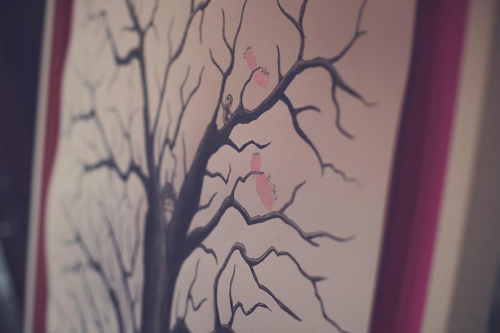 Notre arbre à empreintes // Photo : Babouchkatelier