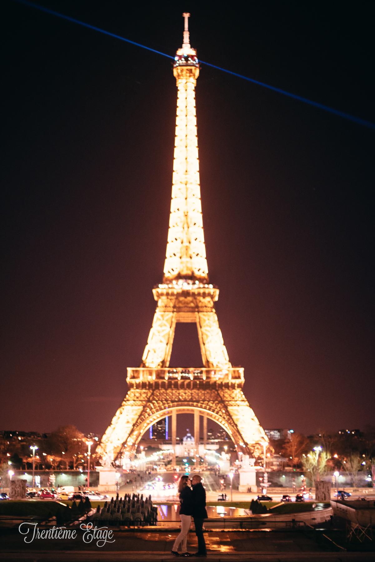 """Séance couple """"Paris by night"""" // Photo : Trentième Étage"""