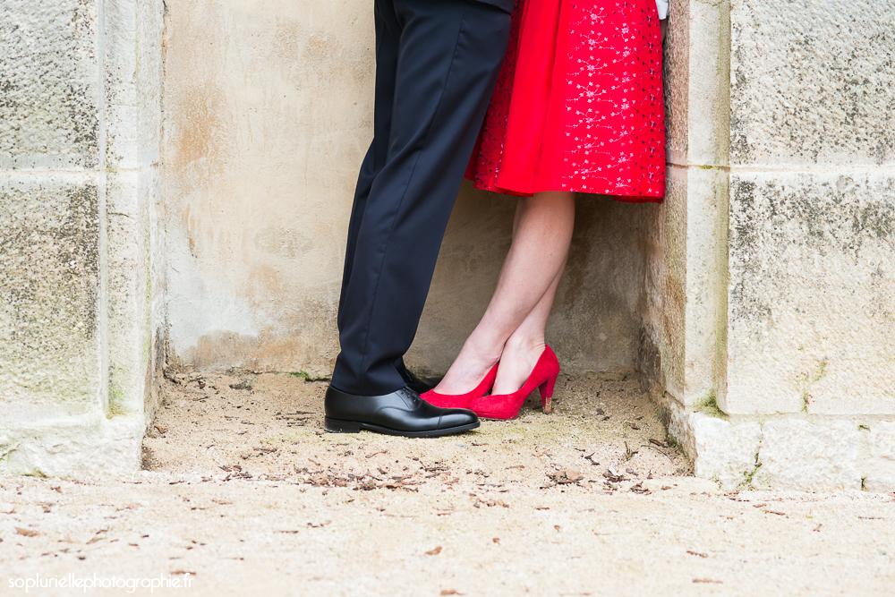 Ma robe rouge pour le mariage civil ! // Photo : Sonia Blanc