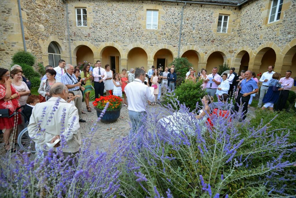 Le mariage champêtre romantique de Cécile avec une touche de rose (15)