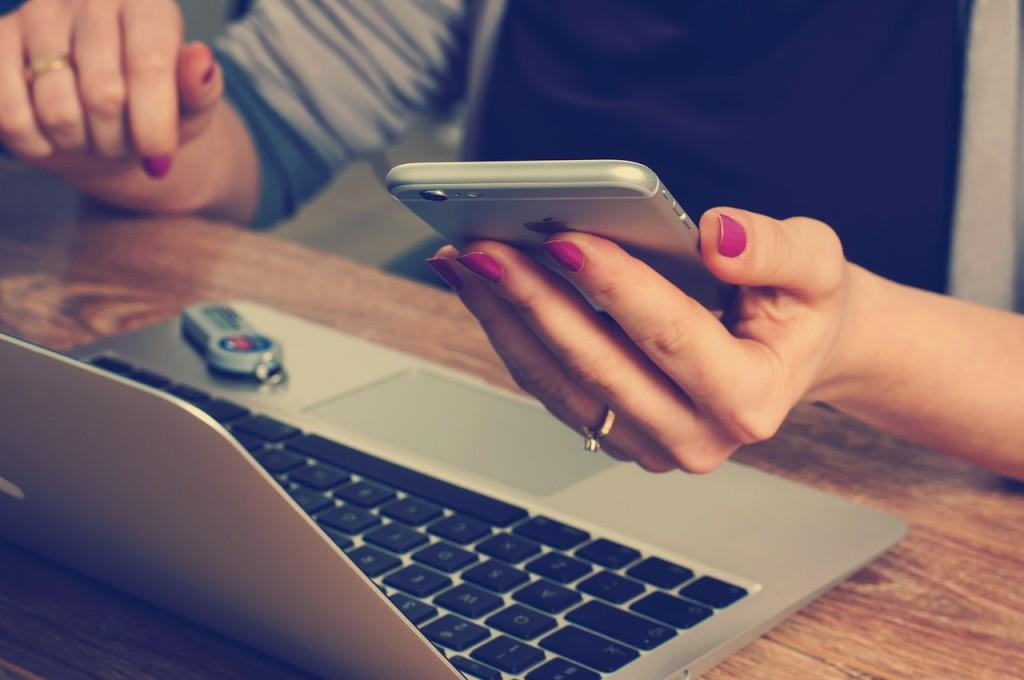 Rechercher les prestaires du mariage sur Internet