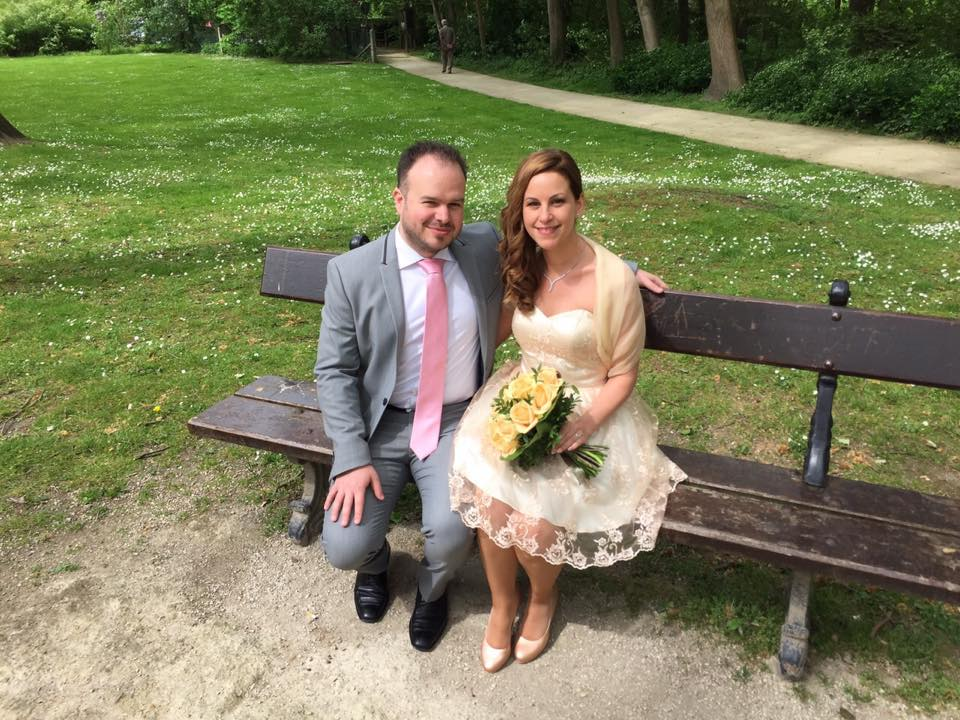 Nos photos de couple dans le parc à côté de la commune