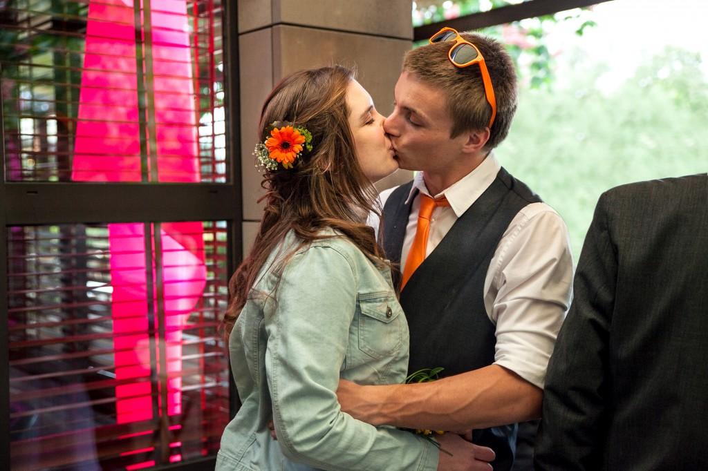 Le cocktail de notre mariage dans un billard ! // Photo : Julia Lorber Photography