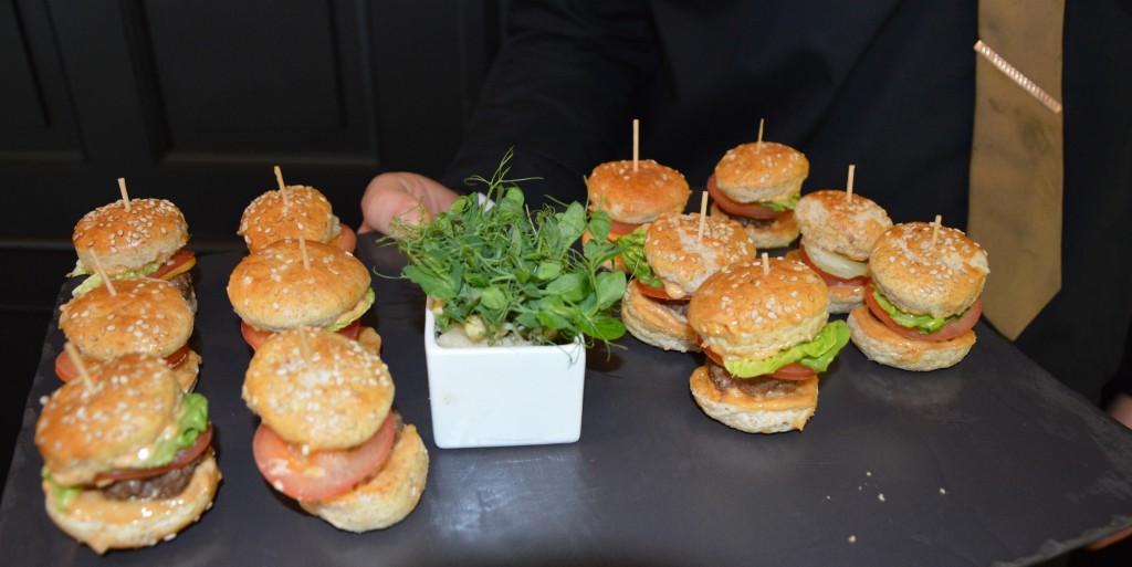 Mini burgers pour le déjeuner de notre mariage civil