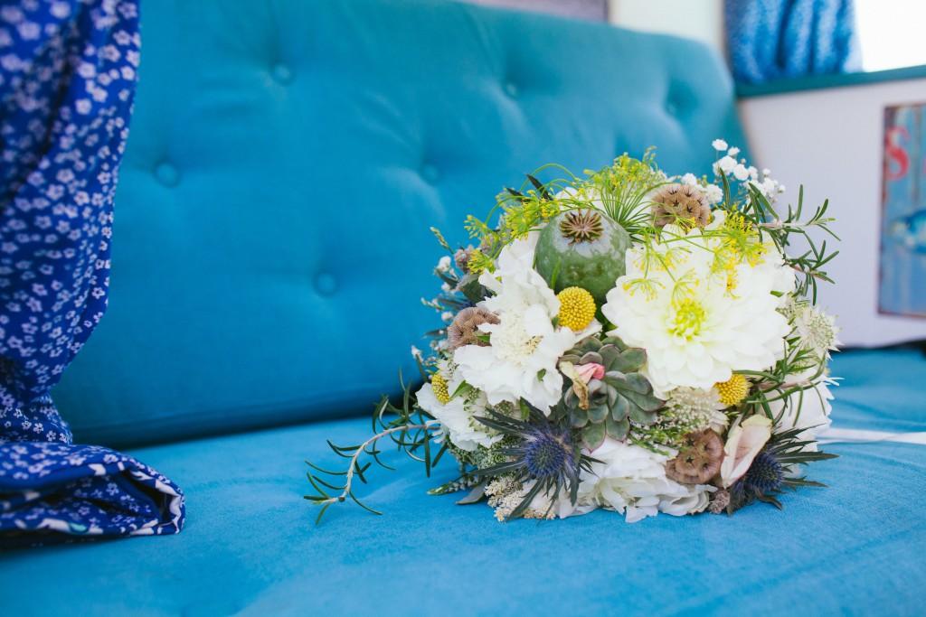 Le mariage rétro-champêtre, loin de chez eux, de Mme Vintage (1)