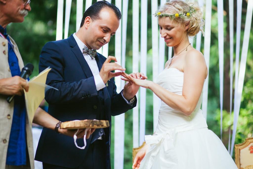Le mariage rétro-champêtre, loin de chez eux, de Mme Vintage (10)