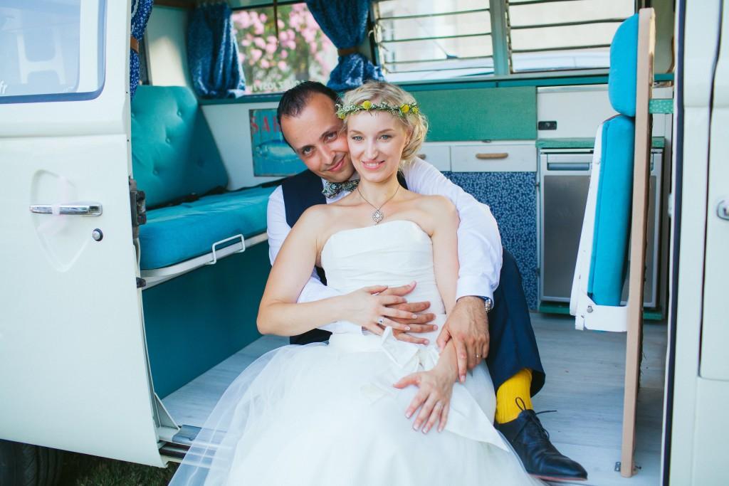 Le mariage rétro-champêtre, loin de chez eux, de Mme Vintage (16)