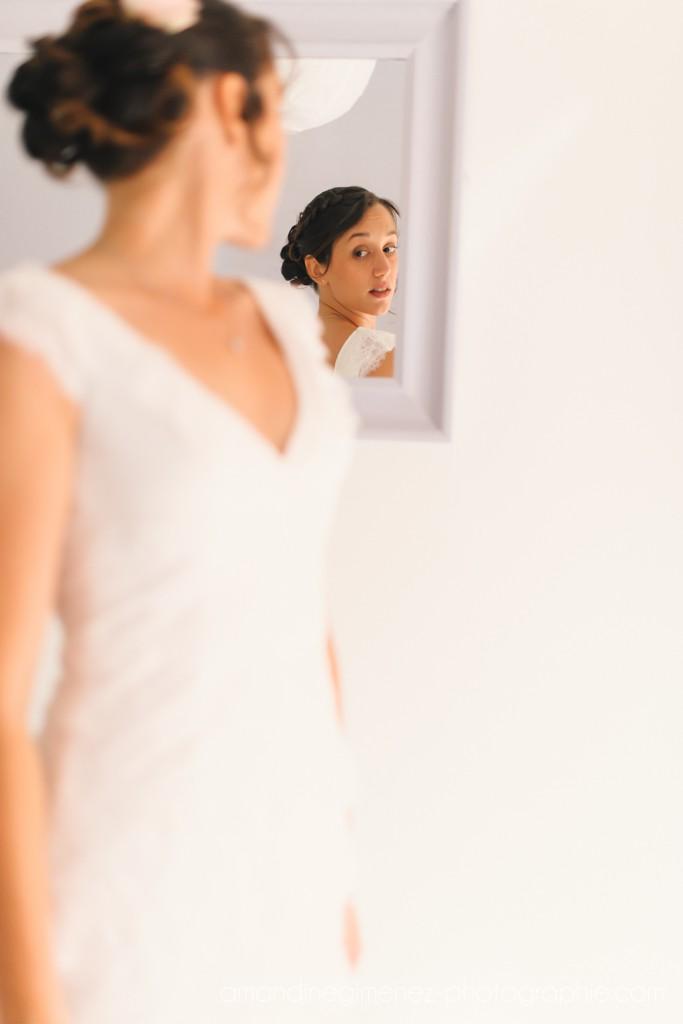 Préparatifs et habillage de la mariée // Photo : Amandine Gimenez