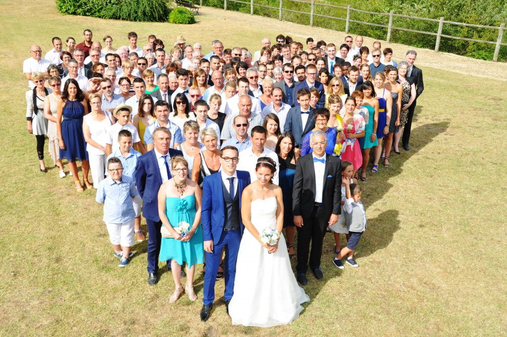 Le mariage de Charlène en bleu avec une touche de jaune et des paillettes (13)