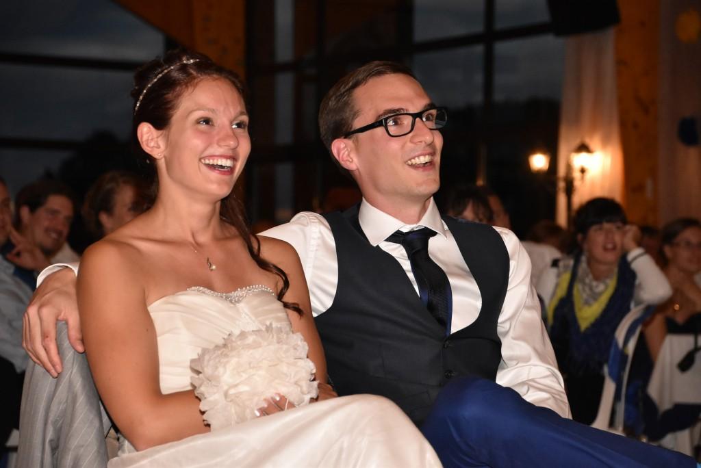 Le mariage de Charlène en bleu avec une touche de jaune et des paillettes (16)