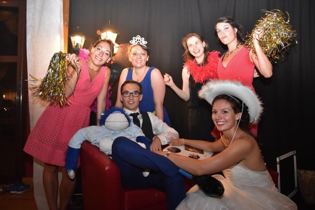 Le mariage de Charlène en bleu avec une touche de jaune et des paillettes (18)