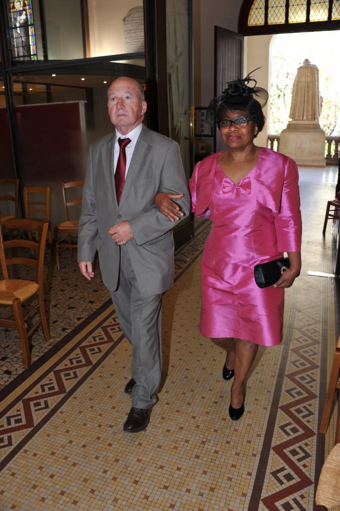 L'entrée du cortège et des mariés // Photo : Claude Duballe
