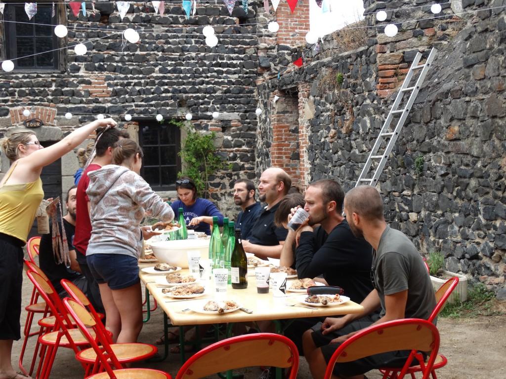 Pause déjeuner // Photo : Eric Chevalier