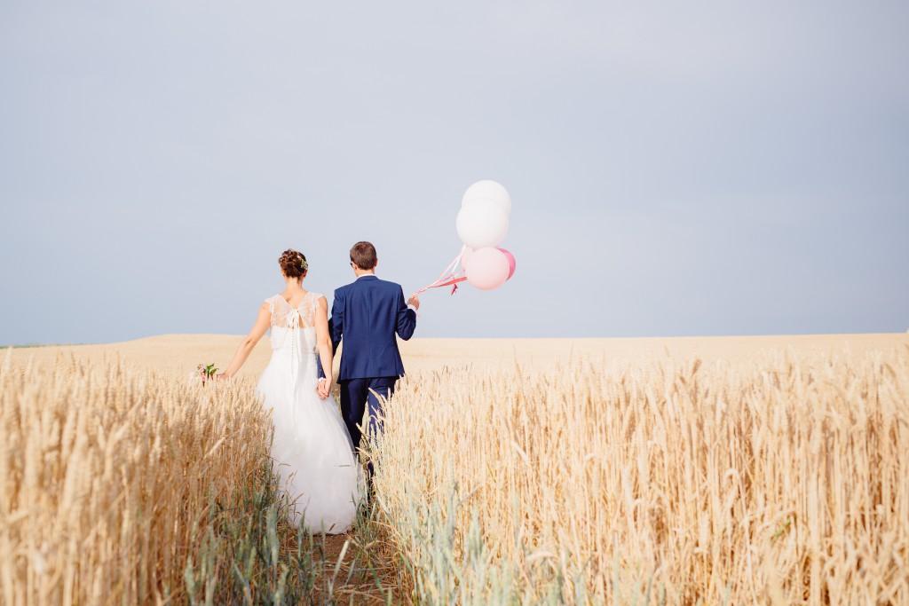 Le mariage en rose et champêtre d'Hélène dans un joli corps de ferme en Picardie - Photo Jérôme Lartisien (10)