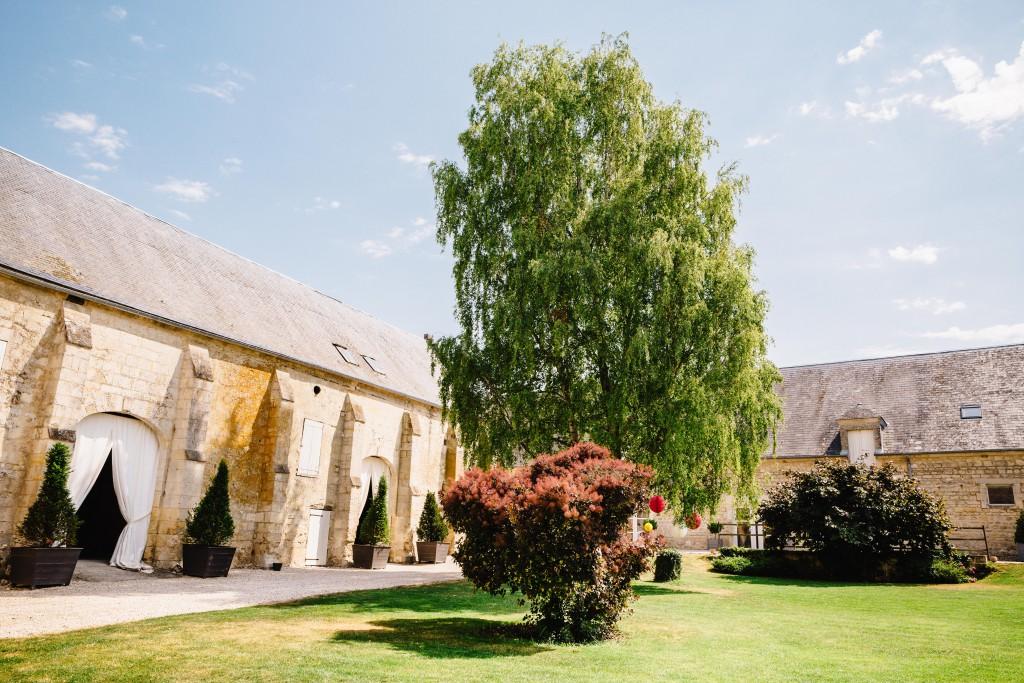 Le mariage en rose et champêtre d'Hélène dans un joli corps de ferme en Picardie - Photo Jérôme Lartisien (12)