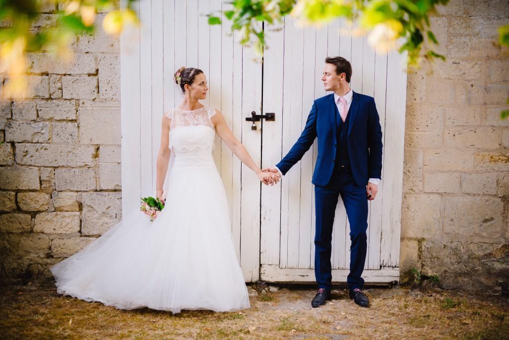 Le mariage en rose et champêtre d'Hélène dans un joli corps de ferme en Picardie - Photo Jérôme Lartisien (13)
