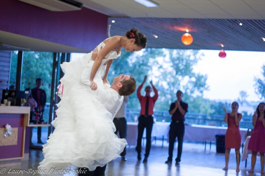 Le mariage fait maison de Delphine, sans thème et plein de couleurs et d'originalité - Photo Laure Sophie Photographie (17)