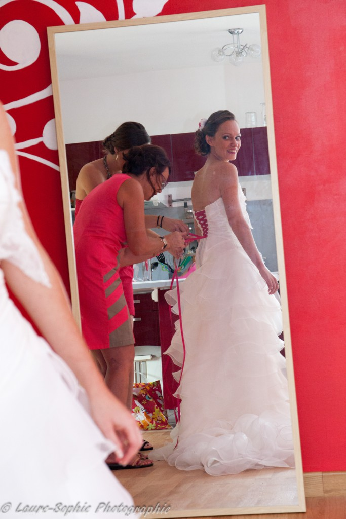 Le mariage fait maison de Delphine, sans thème et plein de couleurs et d'originalité - Photo Laure Sophie Photographie (2)