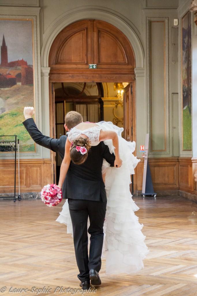 Le mariage fait maison de Delphine, sans thème et plein de couleurs et d'originalité - Photo Laure Sophie Photographie (4)