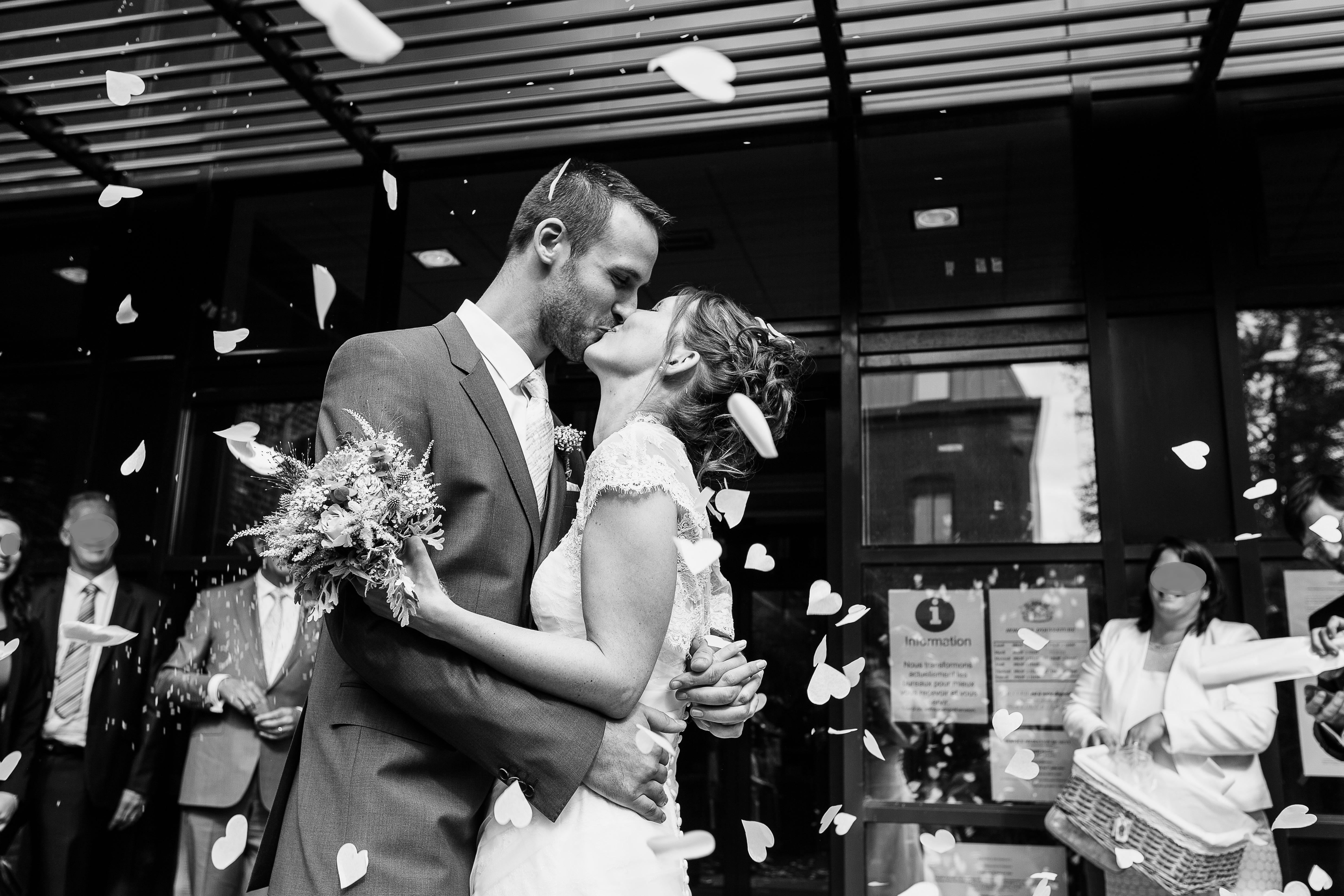 Mon mariage plein d'humour et de tendresse : notre joyeuse sortie en tant qu'époux