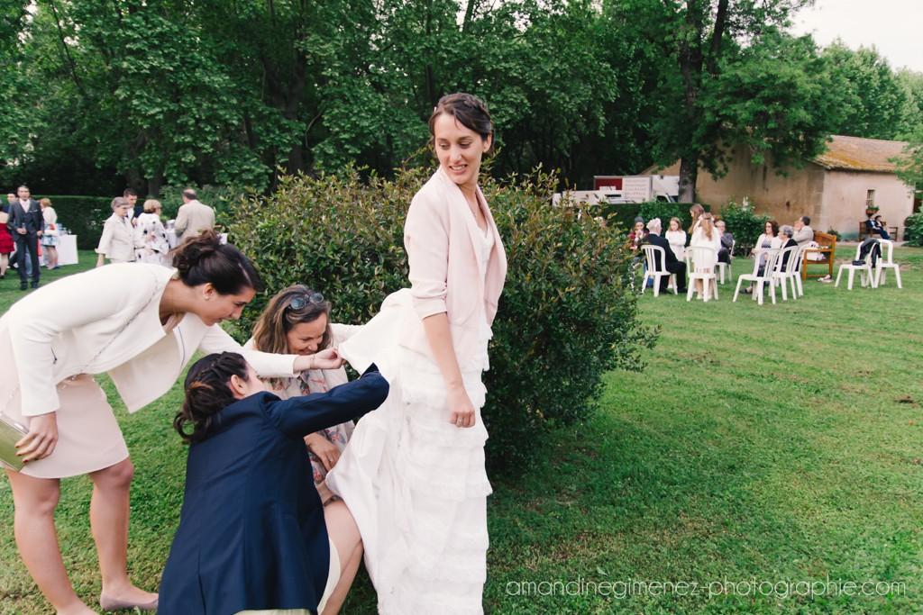 Le cocktail en extérieur de notre mariage // Photo : Amandine Gimenez