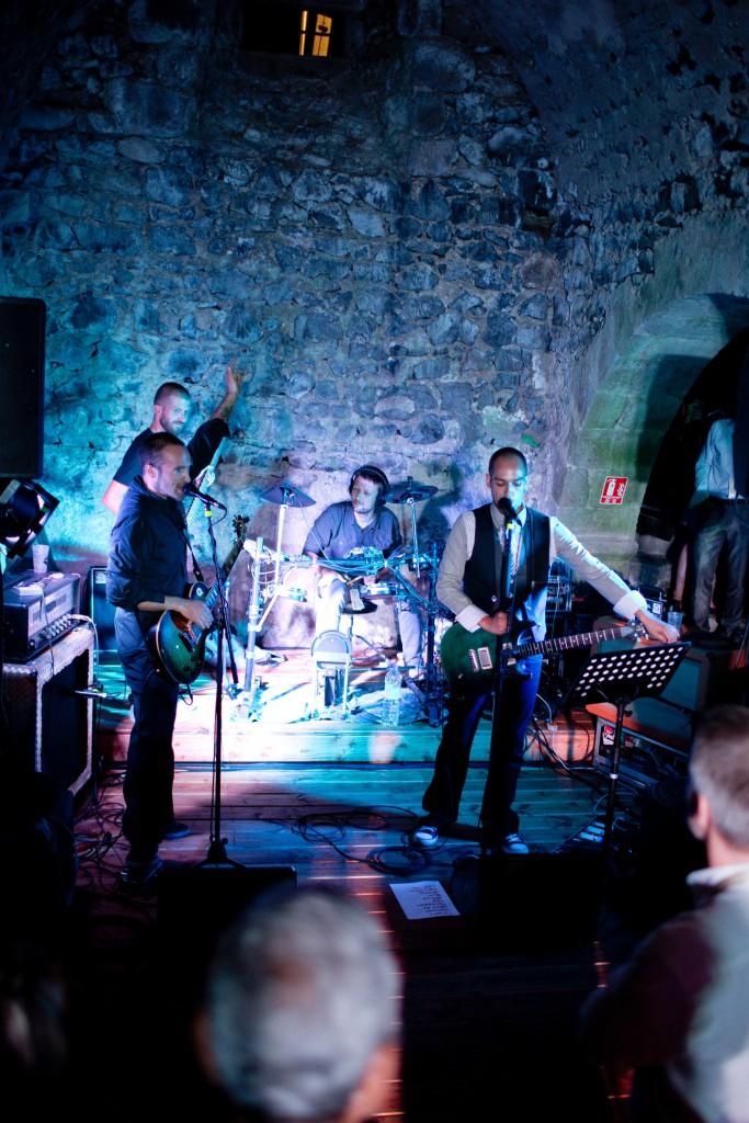 Un concert par le marié le jour J ! // Photo : Pierre Grasset