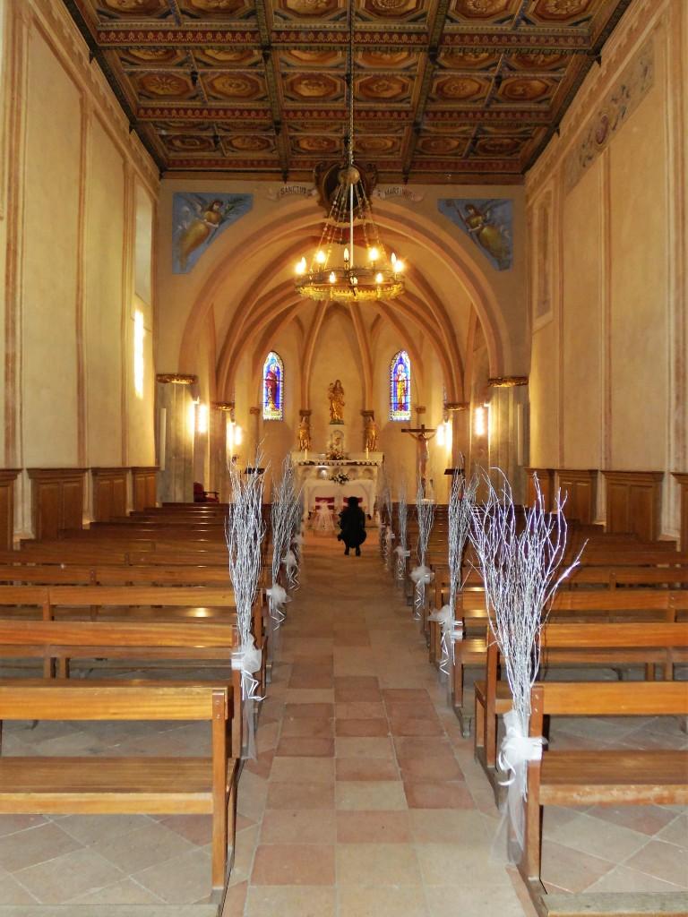 Mise en place de la déco dans l'église la veille du jour J !