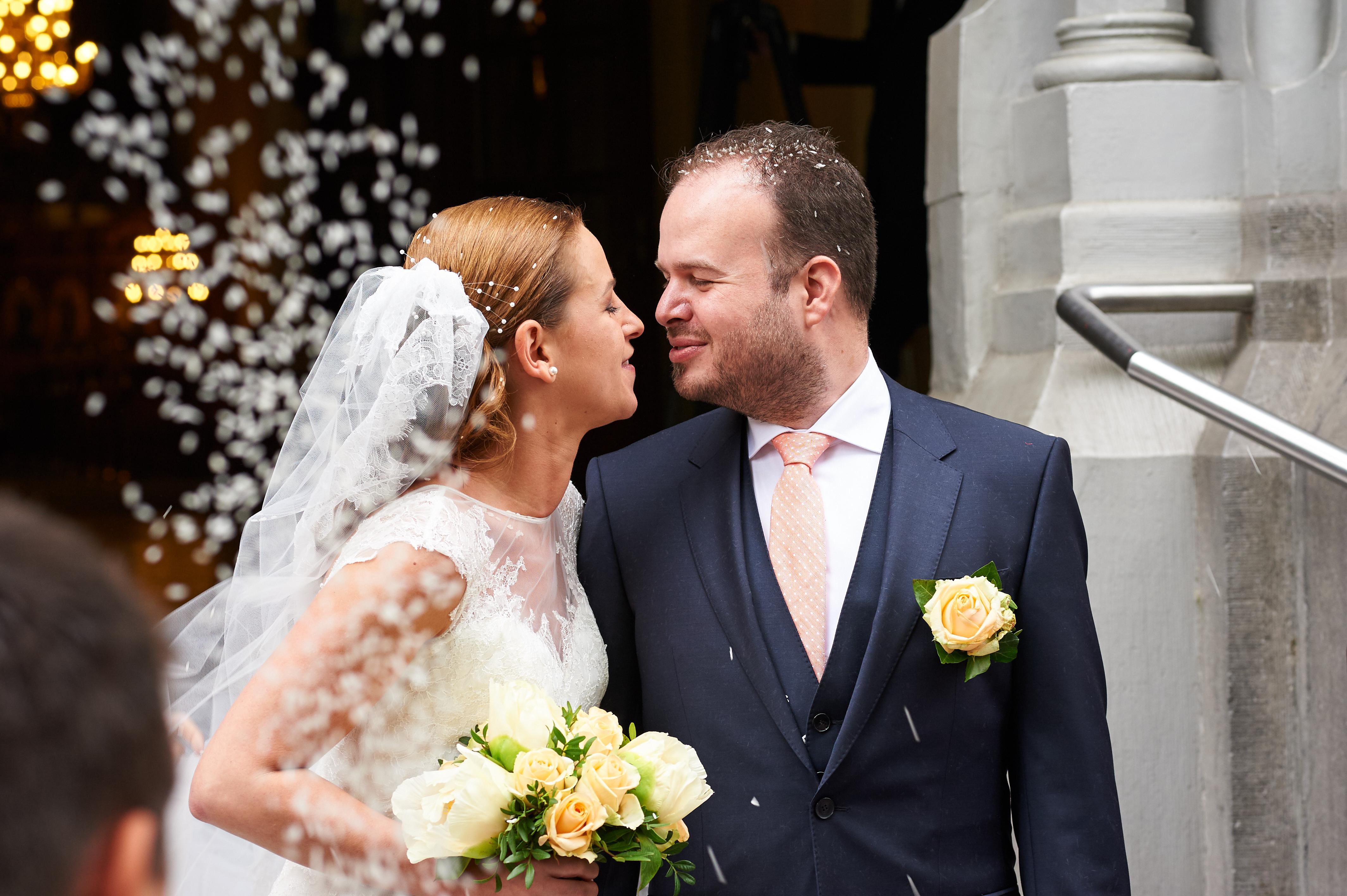 Mon mariage orthodoxe grec : la sortie des mariés et l'arrivée à la salle