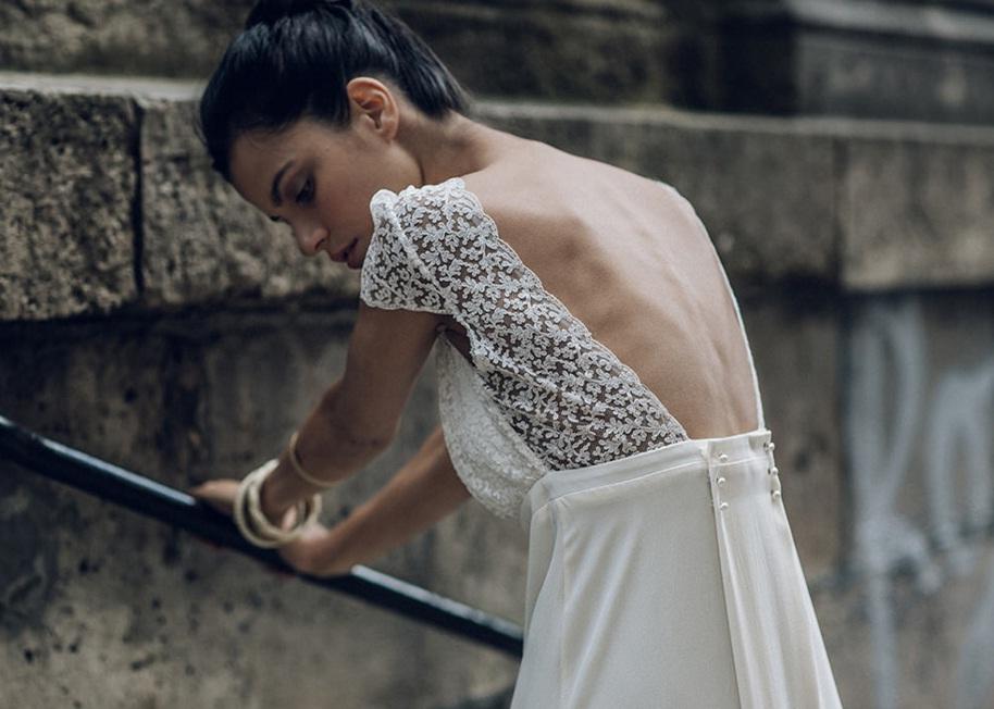 Porter une robe dos nu quand on a une poitrine généreuse…