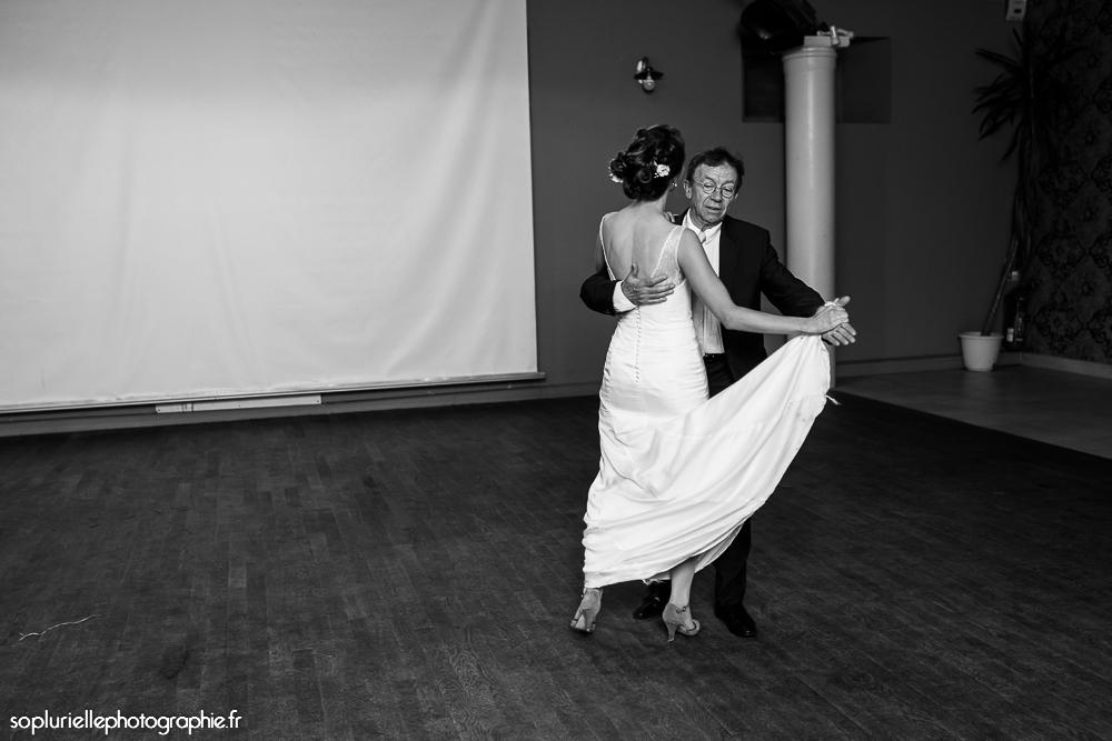 Mon mariage en bleu sur fond vert : l'ouverture du bal